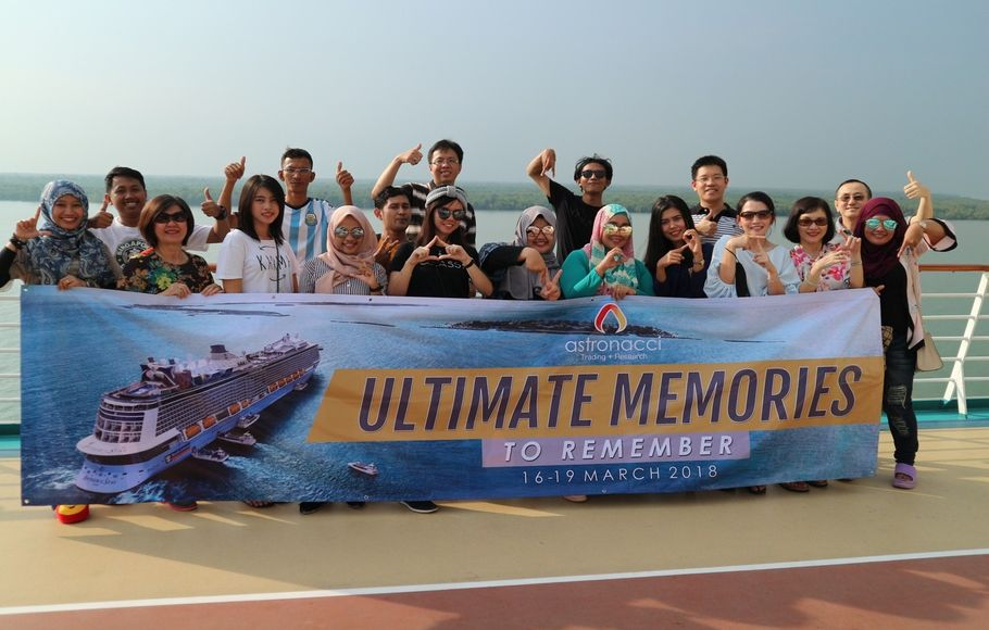 "ROYAL CARIBBEAN CRUISE ""ULTIMATE MEMORIES TO REMEMBER"""
